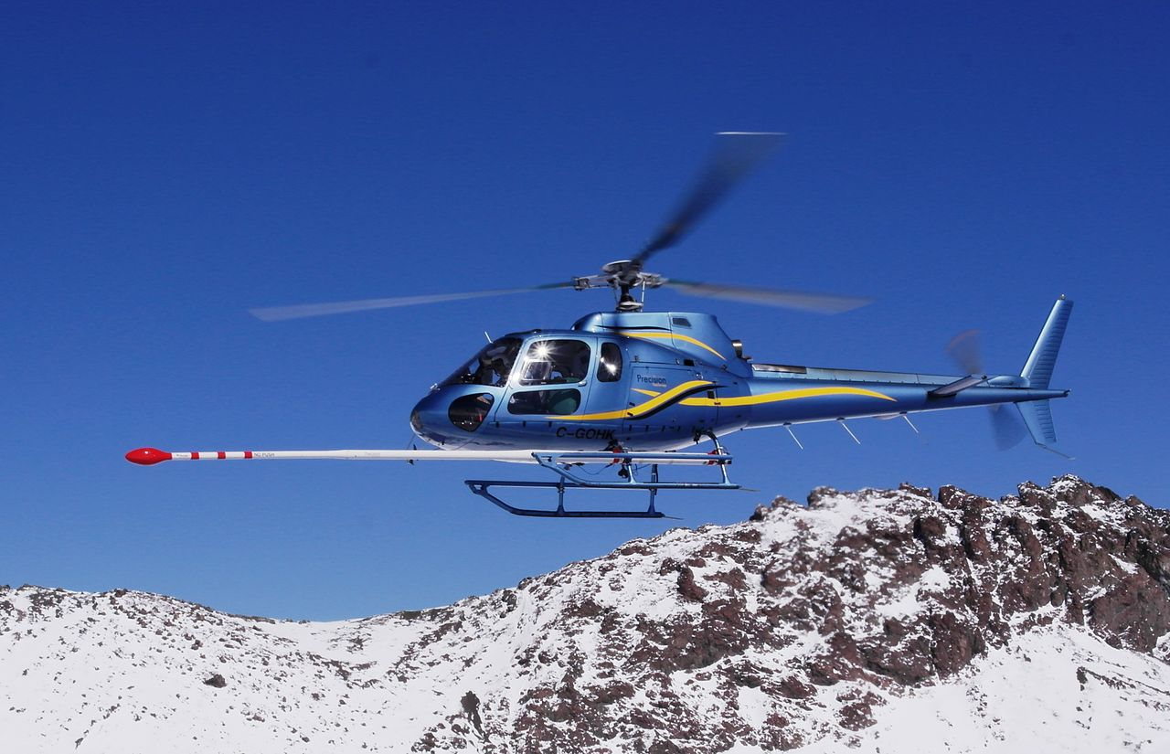 Aeromagnetic_survey_helicopter